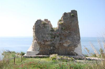 Torre Quadrata o di Scauri